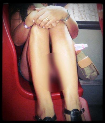Mujer sin calzones en Transmilenio