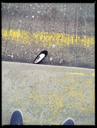Zapato abandonado en Transmilenio